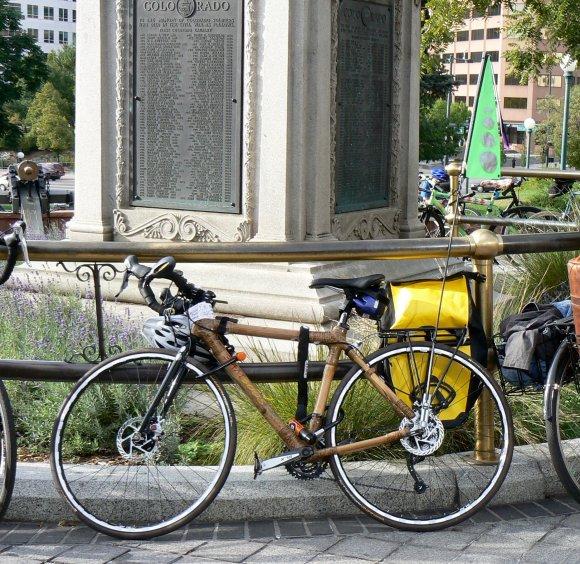 Bici de bambú